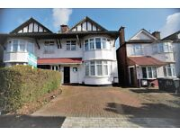 2 bedroom flat in Sevington Road, Hendon, NW4