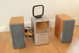Hitachi AX-M80 Hifi, CD Player, Cassette Player, FM and AM Radio with 2 Speakers