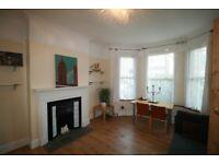 Impressive 3 bedrooms ground floor maisonette available to rent Cricklewood