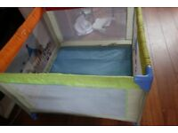 Hauck dream'n'play baby playpen, travel cot, big, square 1m x 1m