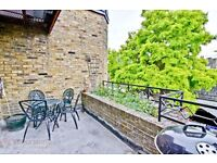 Very nice one double bed flat in the heart of Camden Town, Private balcony, residential street