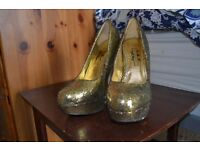 Gold glittery heels - EXCELLENT CONDITON - SIZE 5
