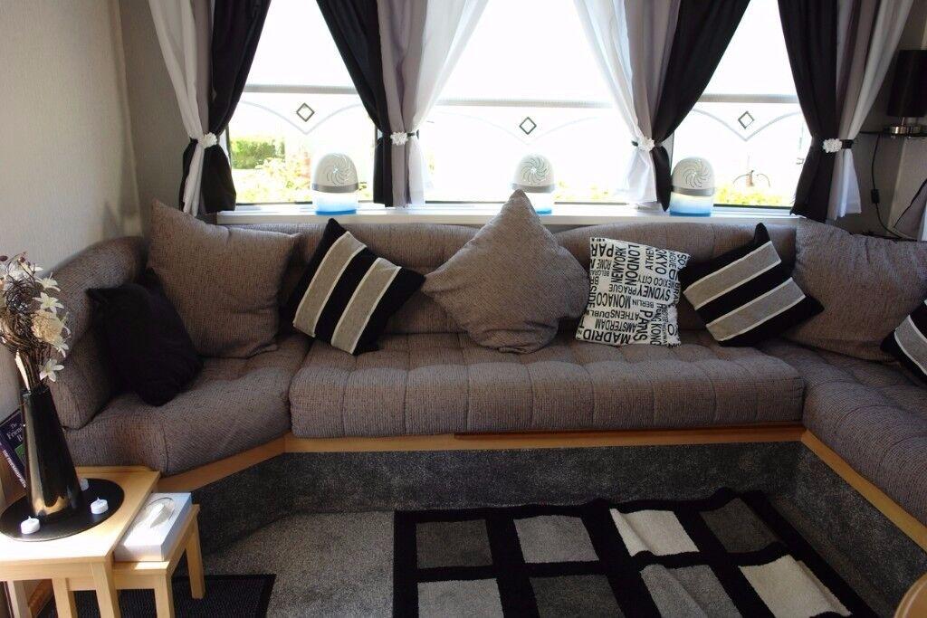 static wrap around seating cushions