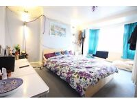 Lovely 1 Bed Room in Chessington Surbiton Bills included Parking Garden Couples Welcome