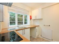 2 bedroom flat in Oakfield Court, Hendon Way, Golders Green, NW2