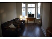 Located close to ROATH PARK this Modernised three bedroom two receptions is offered unfurnished