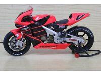 Valentino Rossi 2001 Honda Test Motorcycle Minichamps 1:12 scale