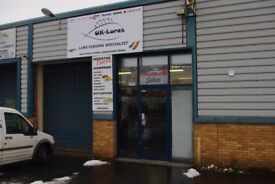 Warehouse / Trade Counter to let Oldbury - 100sqm, busy road