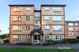 Two Bedroom Ground Floor Flat, Stubbs Drive located close to South Bermondsey Rail Station £330 p/w