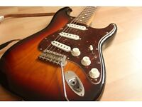 Fender John Mayer Artist Signature Stratocaster (Strat) Guitar in 3-Colour Sunburst with Gig Bag