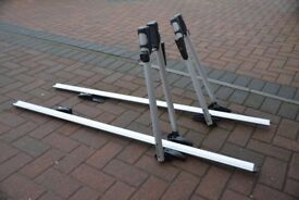 Exodus cycle roof rack carrier (two), fits most roof bars, almost new, with keys and instructions
