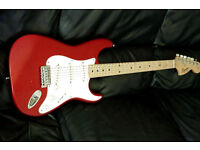 FENDER SQUIER stratocaster CANDY APPLE RED MAPLE NECK