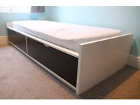 Single bed with draws (Ikea Flaxa bed)