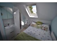 PRIME AREA APT: BRAND NEW LUXURY DOUBLE BEDROOM WITH ENSUITE SHOWER IN LUX TOP FLOOR ATTIC APARTMENT