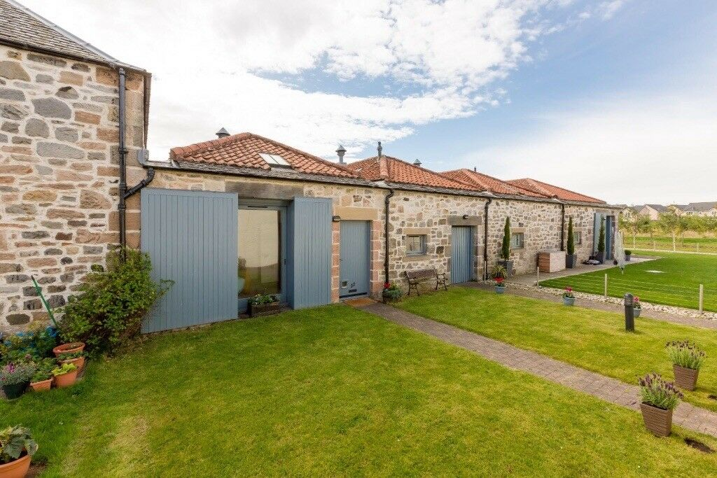 Mid terraced Cottage to rent at Almondhill Steading Kirkliston