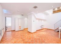 ***AMAZING TWO BEDROOM 1930 CINEMA CONVERISON IN SHOREDITCH AVAILABLE NOW**