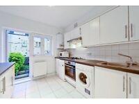 4 double bedroom 2 bathroom split level garden flat 1 minute from Ladbroke Grove underground station