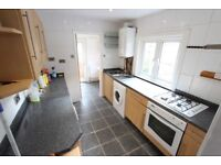 SPACIOUS, CLEAN, REFURBISHED, 2 BED conversion. suit family / sharers. AVAILABLE Now N3 N12 N2
