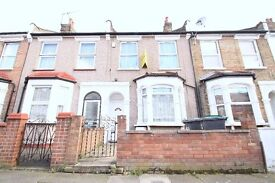 Furnished 3 Bedroom House in Good Condition Close to Turnpike Lane Piccadilly Seven Sisters Victoria