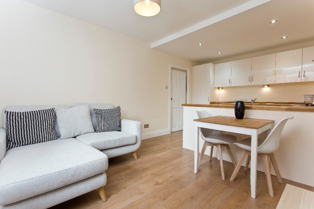 Two bedroom Apartment, Adelina Grove E1