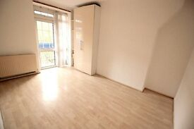 Good size 1 bedroom flat available Close To West Ferry DLR, Separate Kitchen. DSS Considered,