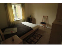 BIG DOUBLE ROOM, BEAUTIFUL HOUSE , DONT MISS IT!! 1 MONTH MINIMUM CONTRACT