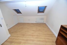 REFURBISHED Studio in House Conversion in Enfield 15min Walk From Waltham Cross Station (Overground)