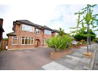 5 bedroom house in Parklands Drive, Lodnon