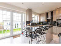 FOUR BEDROOM SEMI DETACHED HOUSE WITH GARDEN AND PARKING TO RENT IN HENDON CENTRAL