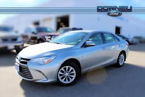 2016 Toyota Camry LE ! OMG ONLY 19,874 KM ! BACK UP CAM!