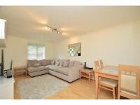 A beautiful two bed flat with two bathrooms and balcony with parking close to Woodside Park Station