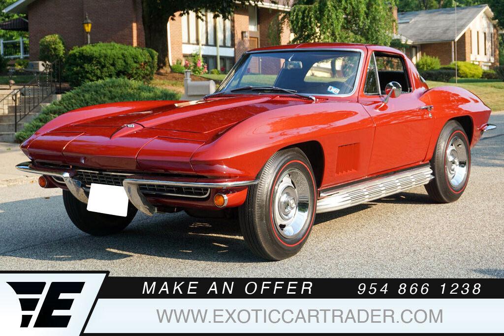1967 Marlboro Maroon Chevrolet Corvette   | C2 Corvette Photo 1