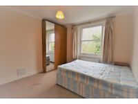 Three bedroom property in Chiswick