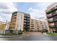 Large Modern Two Double Bedrooms Apartment in Islewroth +Two Bathrooms+Parking & Balcony+