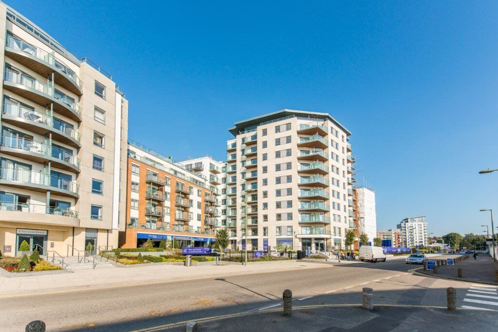 SPACIOUS BRAND NEW 1 BEDROOM APARTMENT PROVIDED FULLY DESIGNER FURNISHED COLINDALE HENDON NORTH WEST