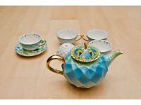 T2 Beautiful Floral Tessellated Tropical Bird Gold and Pastel Tea Set - Brand New Never Used