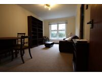 A BRIGHT AND SPACIOUS ONE (1) BED/BEDROOM FLAT - CAMDEN - NW1