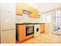 2 bedroom flat in Brent Street, Hendon, NW4