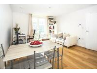 1 bedroom flat in Hoxton Wharf, Wiltshire Row, Hoxton, N1