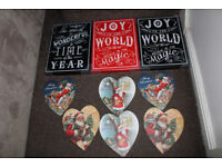 NEW CAR BOOT BUNDLE RESALE JOBLOT WOODEN GLITTER CHRISTMAS WALL SIGNS VINTAGE SANTA HEART PLAQUES