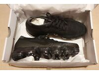 Nike Air Vapormax Flyknit women's trainers - size 6 brand new in box - sold out!