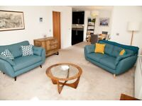 Short Term Let - Elegant Two Bedroom and Two Bathroom Flat with Private Parking in Fettes (465)