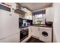 CHURCH ROAD, TW10 - A STUNNING TOP FLOOR TWO BEDROOM FLAT WITH OFF STREET PARKING - VIEW NOW