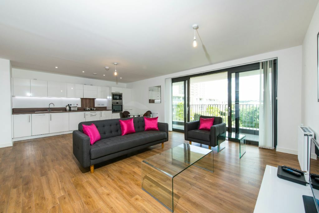 Luxury 2 BED 2 BATH WATERSIDE HEIGHTS ROYAL DOCKS E16 PONTOON DOCK EXCEL PRINCE SILVERTOWN CITY