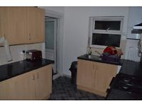 Amazing single and double rooms available now in Plaistow.... only £135pw.....bills & wifi included!