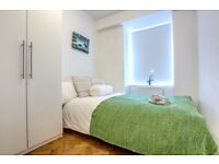 Double room available in Clapham Common! Book your viewing today!
