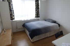 ULLIN STREET **BE FAST DOCKLANDS CANARY WHARF!!**