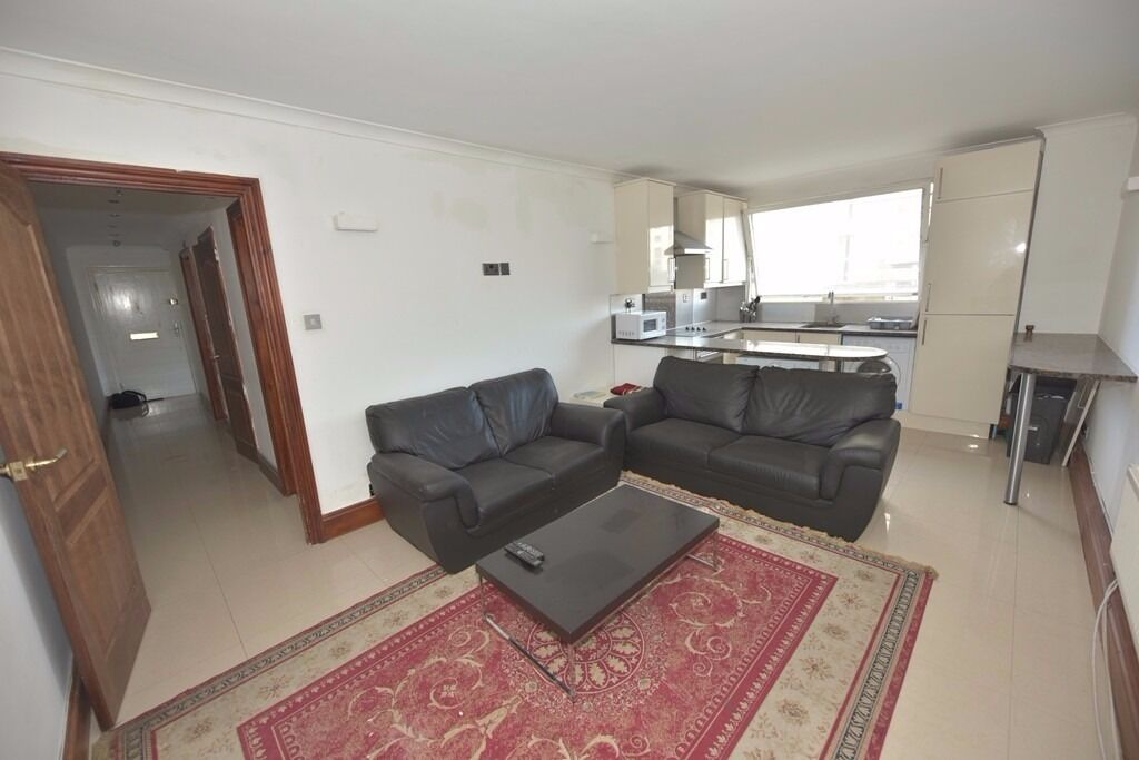 Bright purpose built 2 double bedroom flat to let in Paddington/Edgeware ,fully furnished