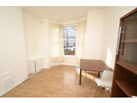 A ground floor one bedroom flat with own small patio garden located near to Finsbury Park tube st.