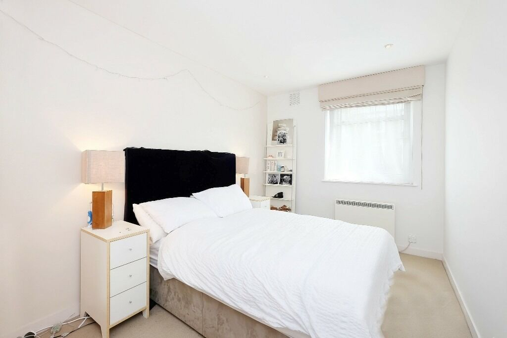 Presenting this lovely two bedroom first floor flat to let in Bayswater